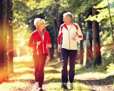Jogging, ein Jungbrunnen? Sport und Fitness im Alter steigern die Lebensqualität